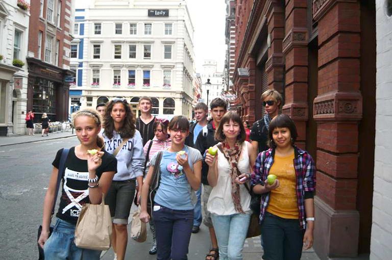 Поездки школьникам с практикой английского языка